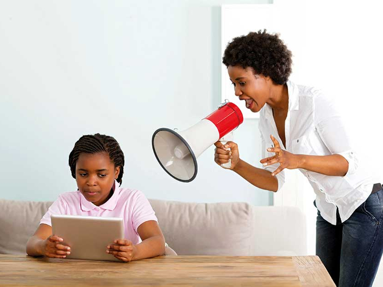 How To Avoid Overparenting Your Teenager's Relationships